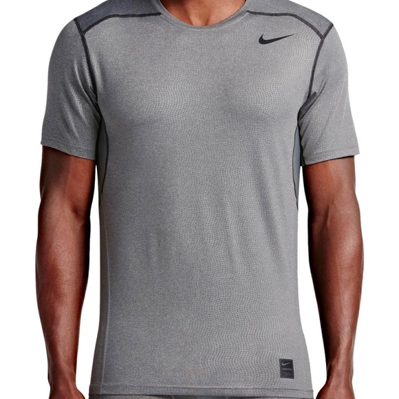 d8a3755ff •Nike Pro• Hypercool Shirt. M_5b5e785e42aa76071d38202e